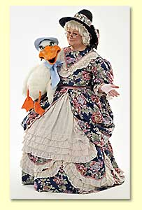 Picture of Mother Goose introducing Goosie to the audience.
